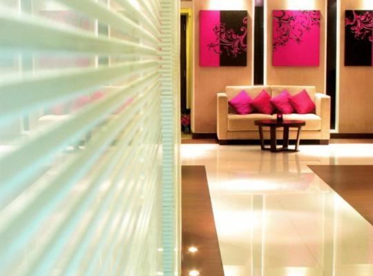 Otel fotoğrafları: Grand Inn Hotel