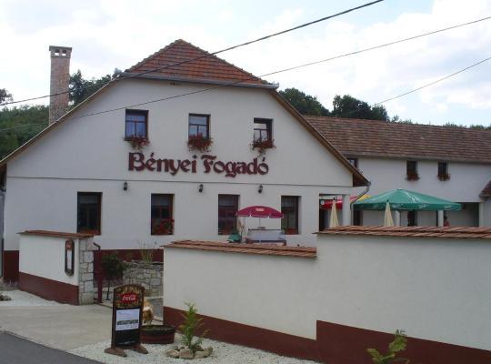 Hotel bilder: Bényei Fogadó Panzió és Étterem