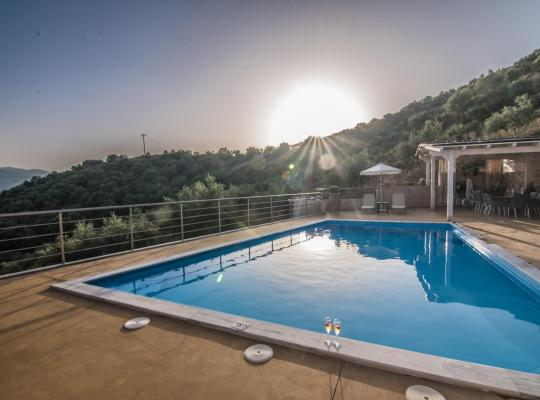 Hotel foto 's: Aksos Suites Accessible Accommodation