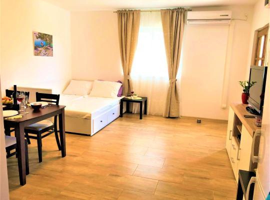 Fotos do Hotel: Apartments Village