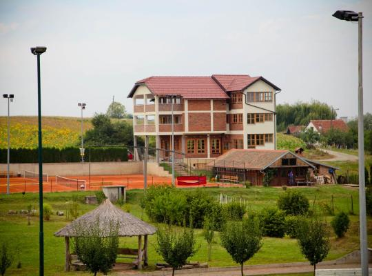 Hotel Valokuvat: Pansion Budimir