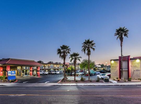 酒店照片: Best Western Desert Villa Inn