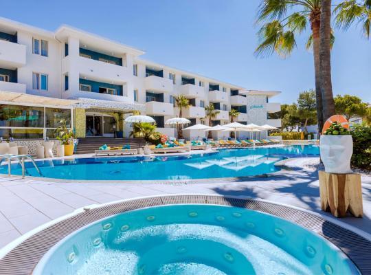 Фотографії готелю: Apartamentos Sotavento - Adults Only