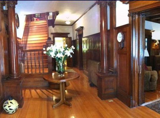Фотографії готелю: The Columns Bed & Breakfast