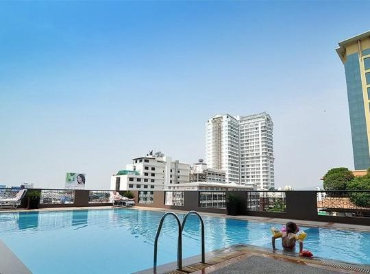 Otel fotoğrafları: Royal Lanna Hotel