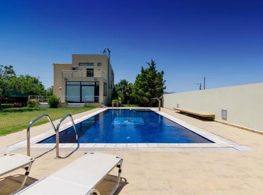 Hotel bilder: Countryside Villa with Pool