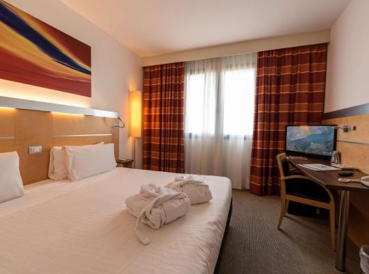 Фотографии гостиницы: Best Western Palace Inn Hotel