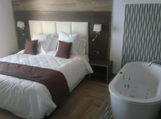Hotel photos: Plaza Saint Rock
