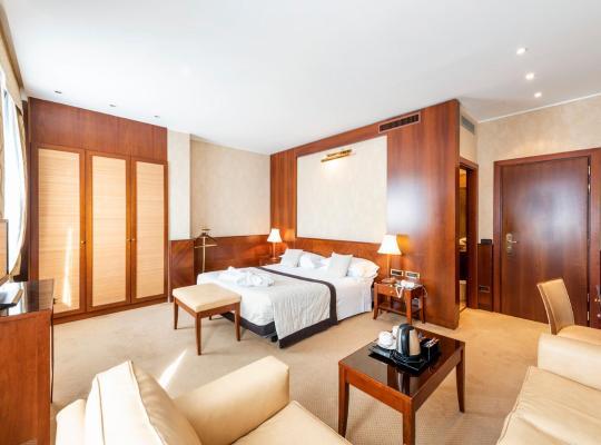 Otel fotoğrafları: Hotel Ascot