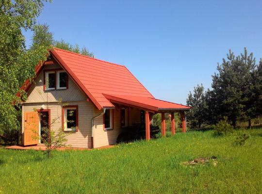 Fotos de Hotel: Domek Letniskowy przy lesie