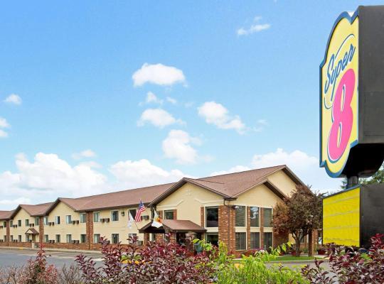 Hotel photos: Super 8 by Wyndham Longmont/Twin Peaks