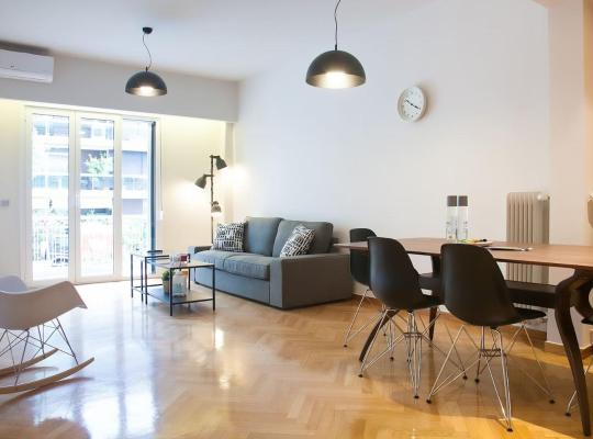 Hotel bilder: TONI'S Luxurious 2BD Home Near fancy FLISVOS