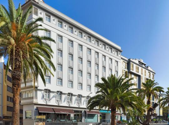 Hotel foto: Occidental Santa Cruz Contemporáneo