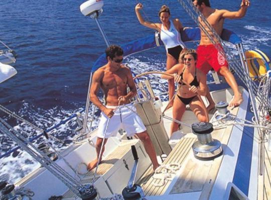 Фотографии гостиницы: Sailing on a private acht Bavaria 44 with captan