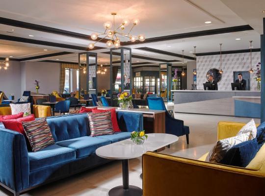 ホテルの写真: Camden Court Hotel