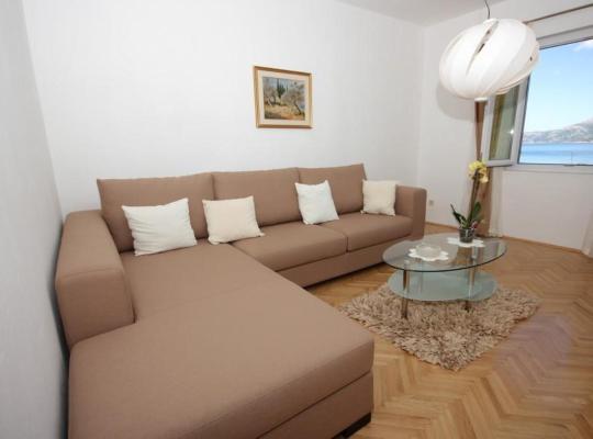 Viesnīcas bildes: Apartment Kolocep 2182b