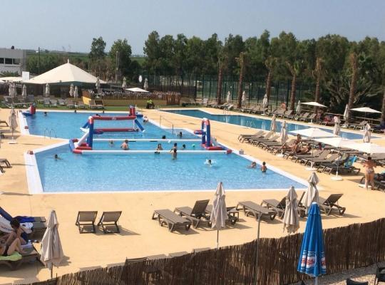 Φωτογραφίες του ξενοδοχείου: Camping Ampolla Playa