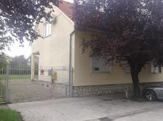 Viesnīcas bildes: Kuća Villa Lenije