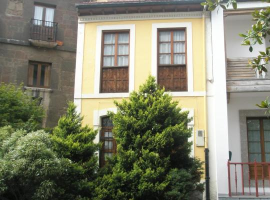 Hotel bilder: Bonita casa asturiana al lado del mar en Candás.