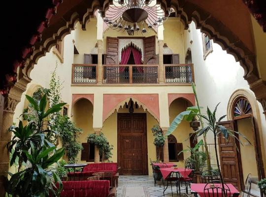 Hotel photos: Riad Marlinea