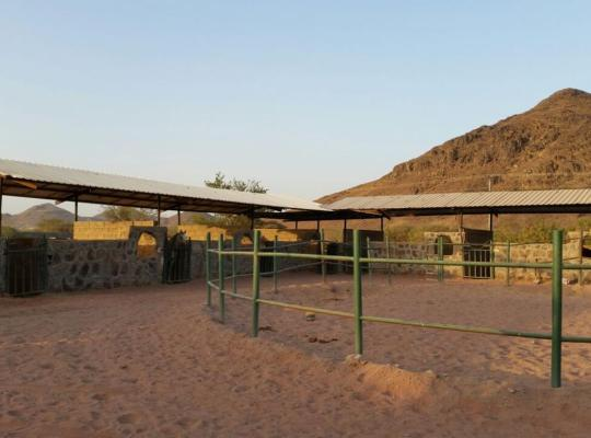 תמונות מלון: Farm house and stable