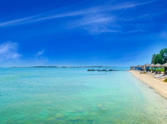 Hotel photos: Bin Majid Flamingo Beach Resort