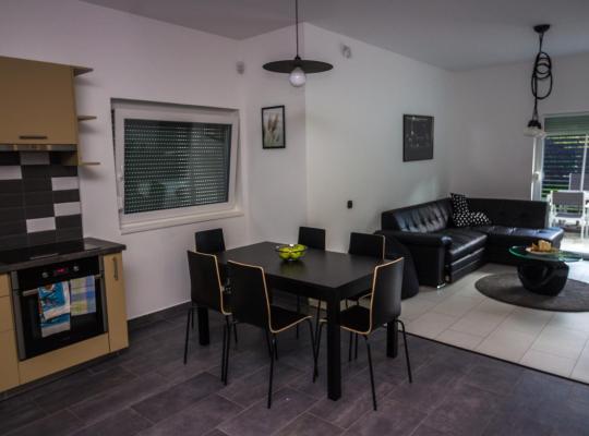 Hotel photos: Andrew's Home Apartment