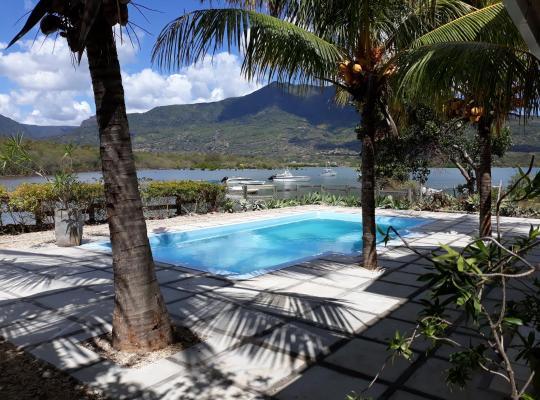 होटल तस्वीरें: 21LG Ilot Fortier- Sea Shore & Pool Private Villa