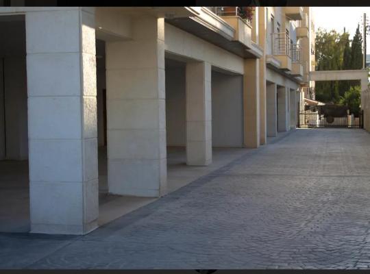 होटल तस्वीरें: Fully Furnished Apartment in Der Ghbar