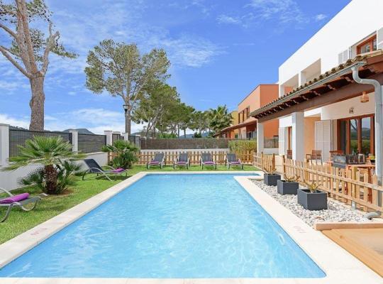 Fotos de Hotel: es Barcares Villa Sleeps 8 Pool Air Con WiFi