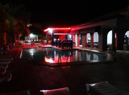 Фотографии гостиницы: Seaview Gardens Hotel