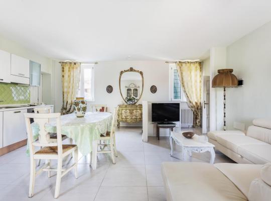 Фотографії готелю: Appartamento Paradiso