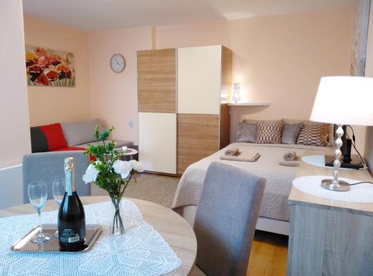 Otel fotoğrafları: Sunray Studio Apartment