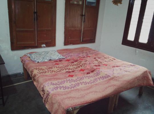 Hotel photos: Boys hostel one room three beds