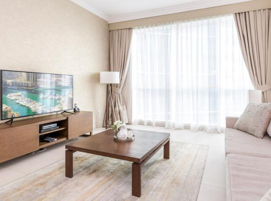 Hotel photos: Al Bateen Residences by Deluxe Holiday Homes
