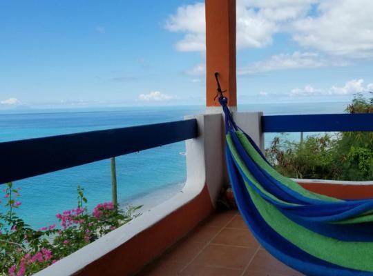 Хотел снимки: Orrie's Beach Bar and Hotel