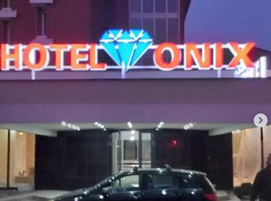 Photos de l'hôtel: Hotel Onix