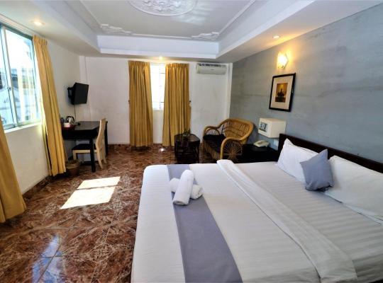 Képek: Hometown Suite Hotel