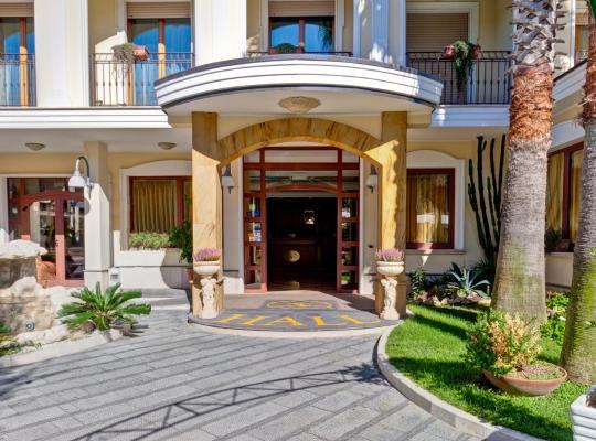 Otel fotoğrafları: Hotel La Perla