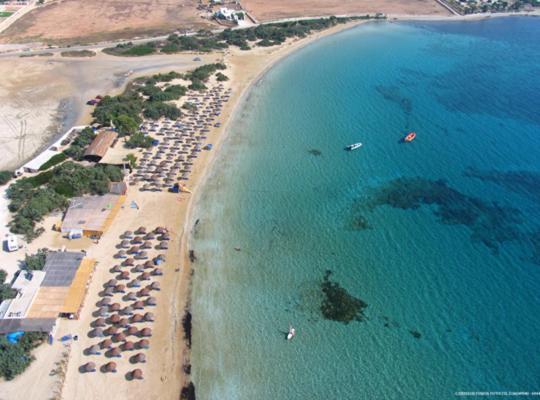 Foto dell'hotel: Surfing Beach Village Paros