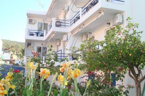 Фотографии гостиницы: Akrogiali Hotel