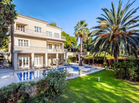 Hotel Valokuvat: Split Villa Sleeps 10 Pool Air Con WiFi