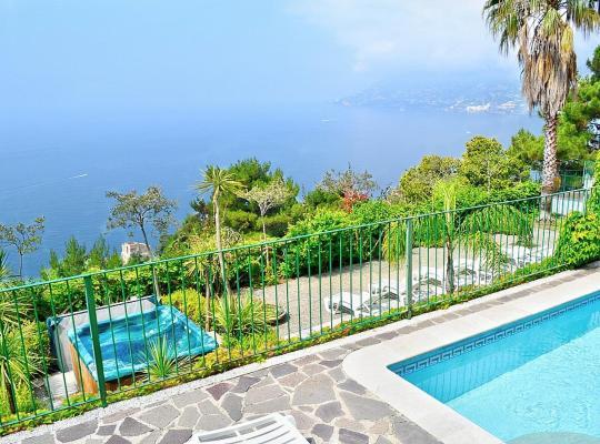 Фотографии гостиницы: Maiori Villa Sleeps 12 Pool Air Con WiFi