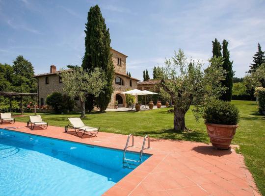Hotel bilder: Talente Villa Sleeps 10 Pool WiFi