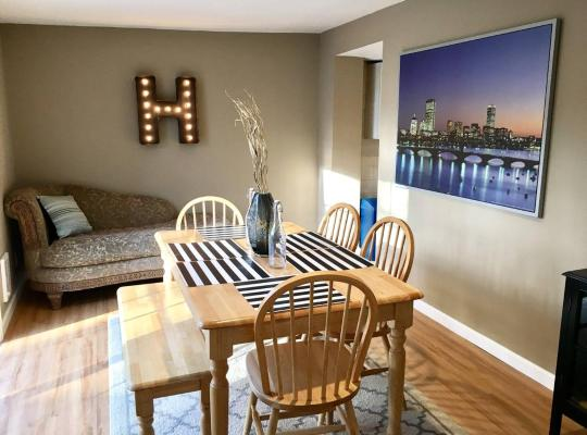 Фотографии гостиницы: ~*Pet Friendly 30min to Downtown*~ THE BOSTONIAN