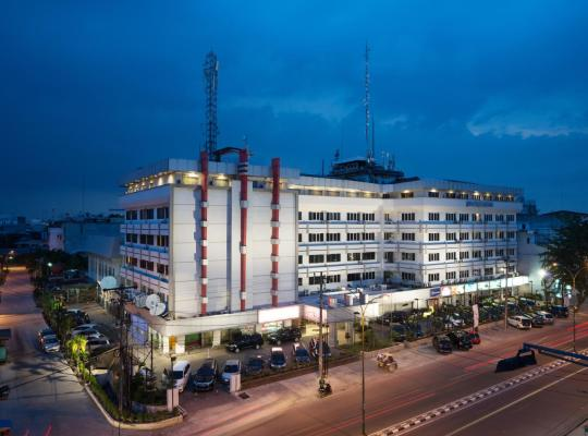 Képek: Garuda Plaza Hotel