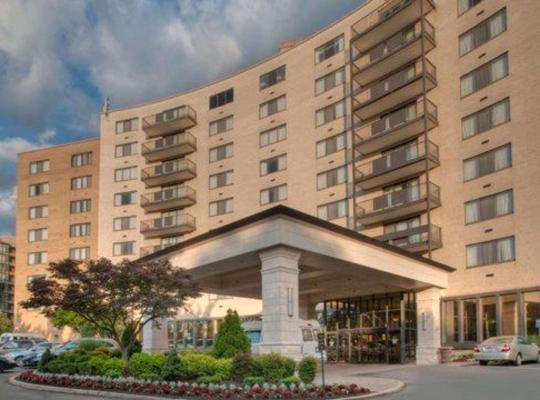 Фотографии гостиницы: Clarion Collection Hotel Arlington Court Suites