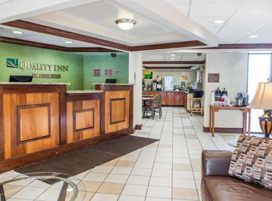 Fotos de Hotel: Quality Inn South