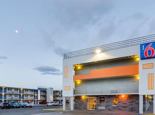 Хотел снимки: Motel 6 Denver Central - Federal Boulevard