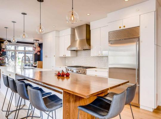Hotel photos: Gorgeous Modern Cherry Creek Townhouse With Gym!